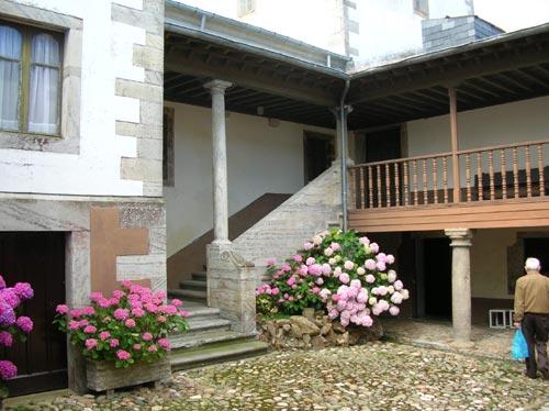 20060628191420-patio-3.jpg