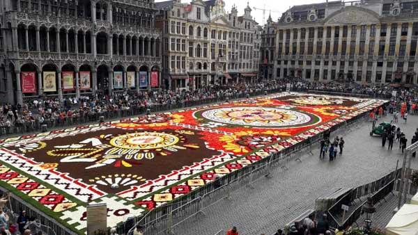 20180819113306-alfombra-bruselas.jpg